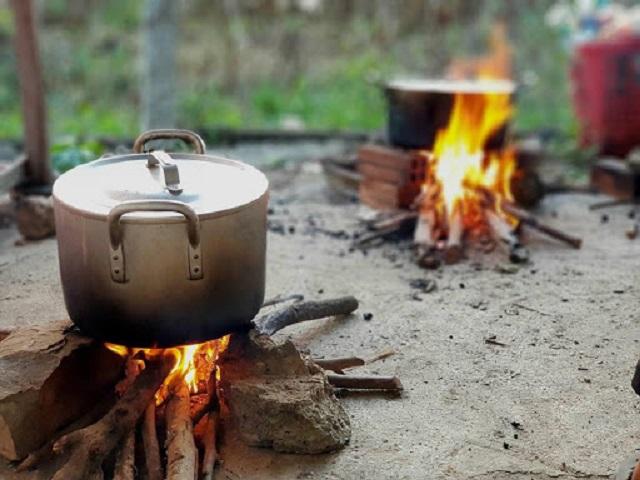 Mơ thấy nấu ăn trên lửa