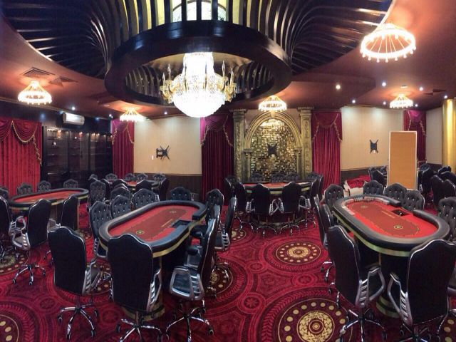 Không gian sang trọng trong Club Poker